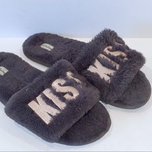 PJ Salvage | Kiss Grey Scuff Slippers Medium